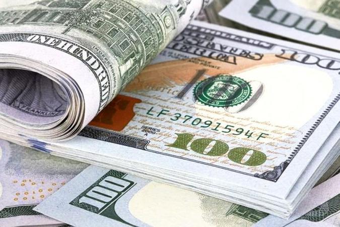 К новому году Украина ожидает повышения курса доллара