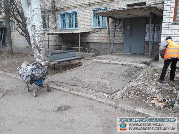 Скандальная фирма «Місто для людей- Миколаїв» не обеспечивает своих работников элементарным инвентарём