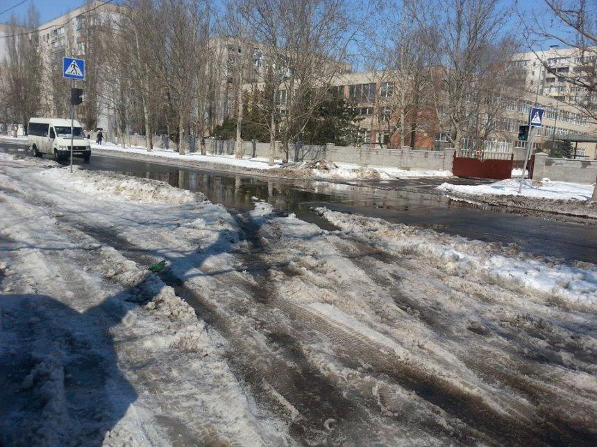 Никаких следов уборки снега и борьбы с гололедом