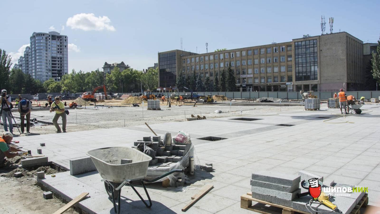 Генподрядчик приостанавливает работы по реконструкции Соборной площади из-за недофинансирования