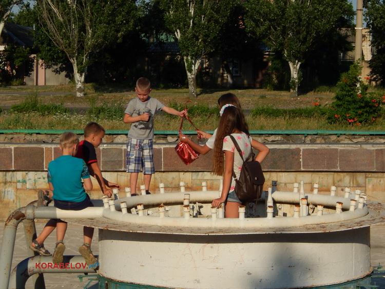 Депутаты хотят забрать фонтан в Корабельном районе на баланс города