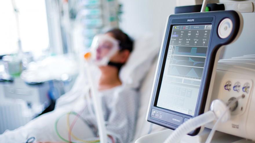 На Николаевщине медики отдали свою однодневную зарплату на покупку аппарата ИВЛ