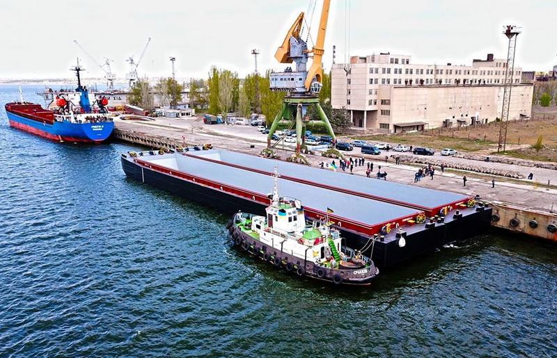 """Нидерландские заказчики высоко оценили построенные на заводе """"Океан"""" баржи"""