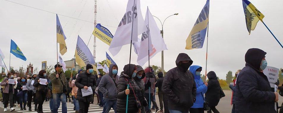 На Николаевщине представители малого и среднего бизнеса перекрыли дорогу