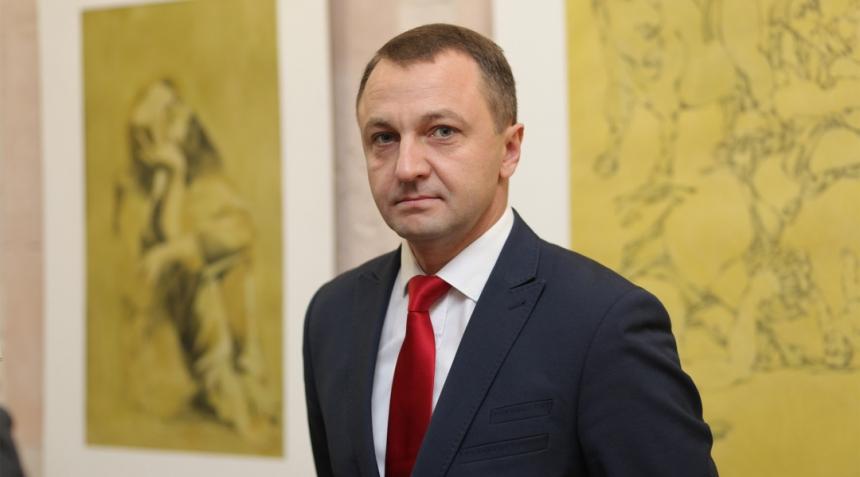 Всю сферу обслуживания в Украине с 16 января переведут на украинский