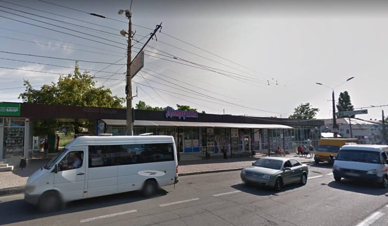 Земельная комиссия отправила на доработку вопрос продления аренды земли на 15 лет под магазинами Чайки на остановке Соборной
