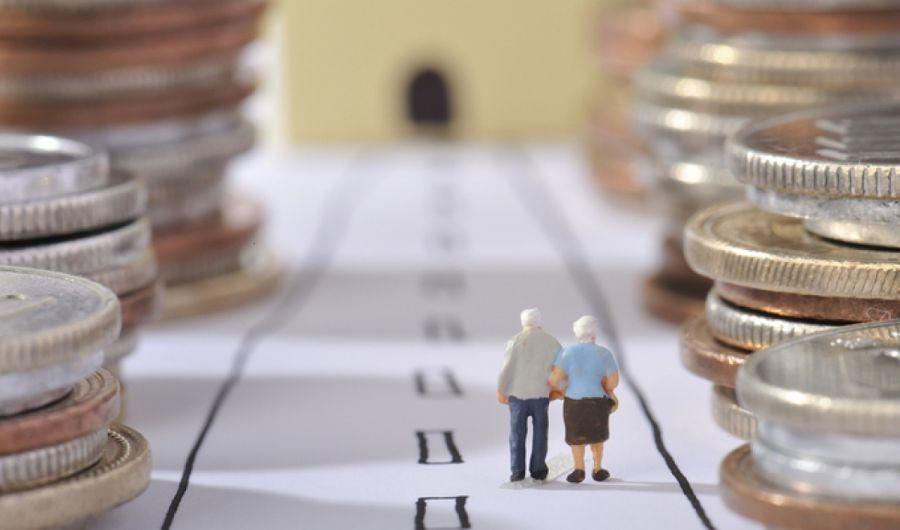 Украинцев хотят обязать платить 4% от зарплаты на накопительную пенсию