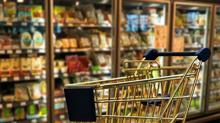 В Украине на время локдауна запретят продажу ряда повседневных товаров