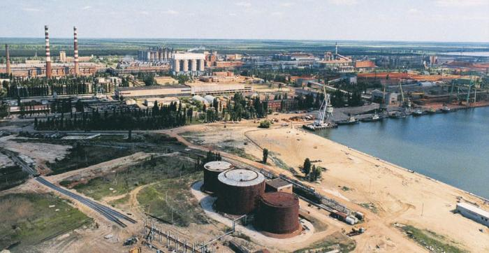 Суд отказал в возврате государству арендованных НГЗ причалов из-за неустановленных границ порта
