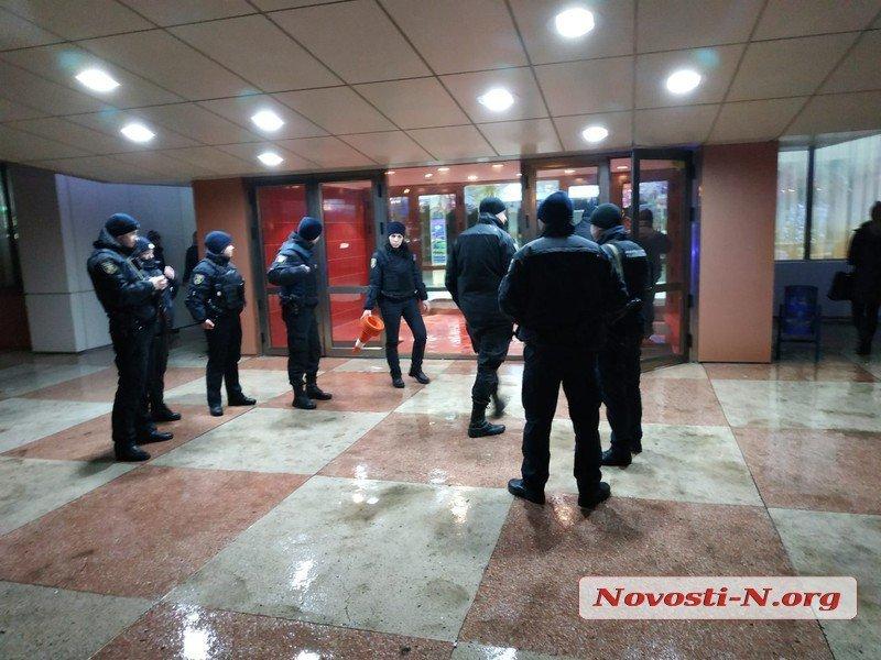 Губернатор Савченко назначил служебное расследование в отношении директора областного дворца культуры