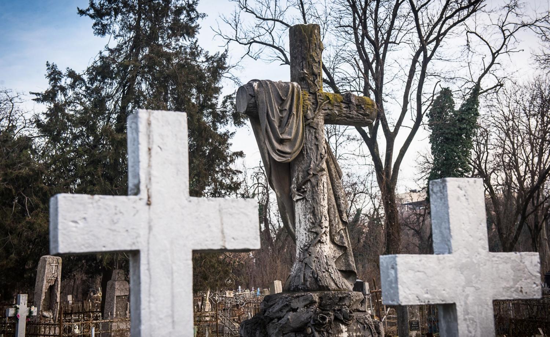 Директор ритуальной службы признал коррупцию в похоронном бизнесе Николаева