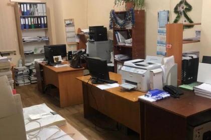 В полиции сообщили подробности обысков в департаменте ЖКХ — на взятке в 20 тысяч грн попалась чиновница