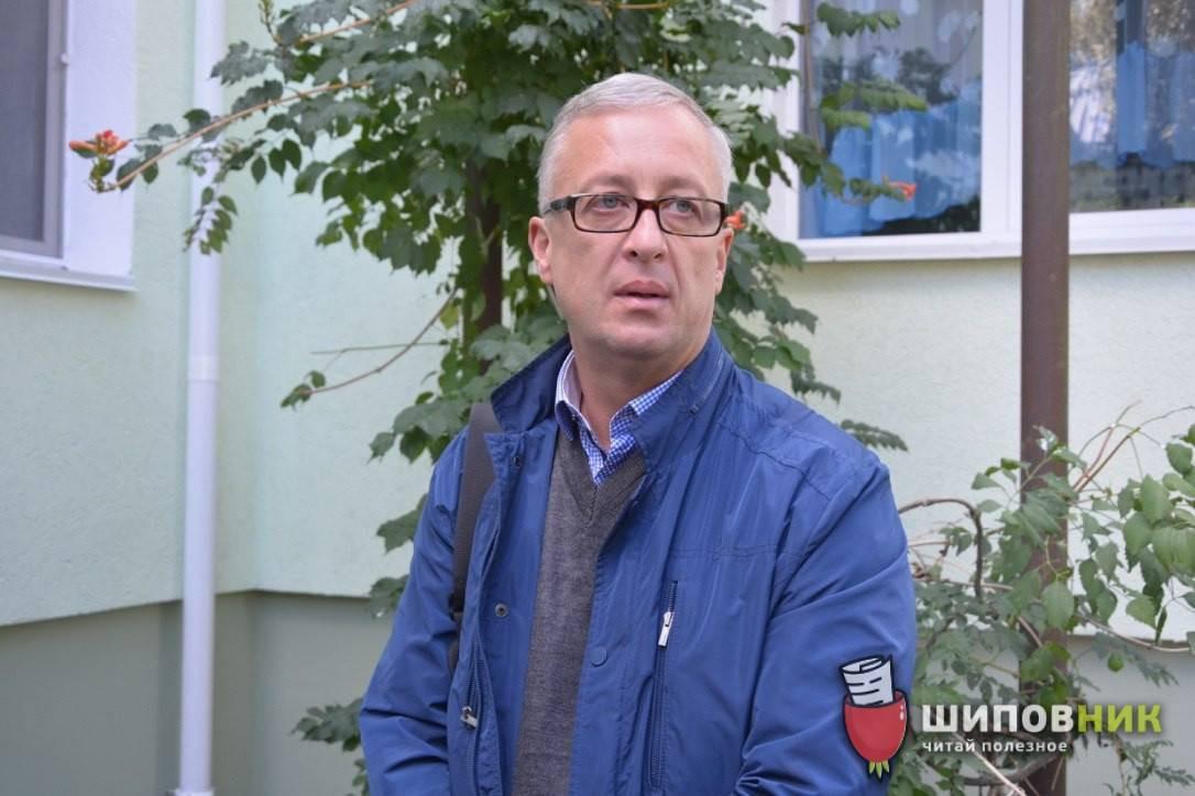 Экс-начальнику КОП Новоторову вручили подозрение за поставку в школы Николаева опасной молочной продукции