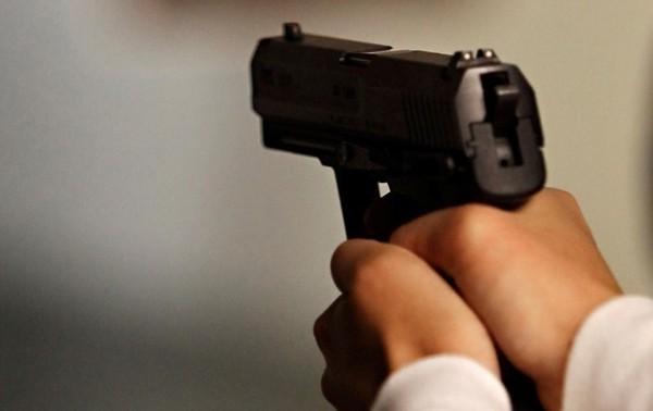 В Николаеве стреляли на остановке, есть раненые