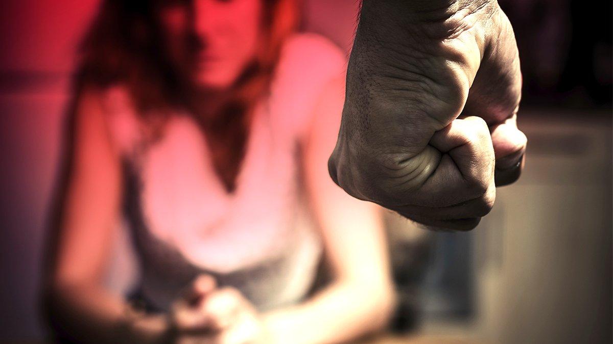 «Грозится расправой»: горожанка заявила о шантаже от экс-супруга после развода и раздела имущества