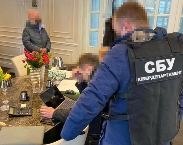 В Украине разоблачили крупнейшую международную группу хакеров