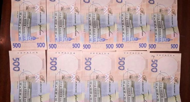 Украину наводнили фальшивые 200 и 500 гривен