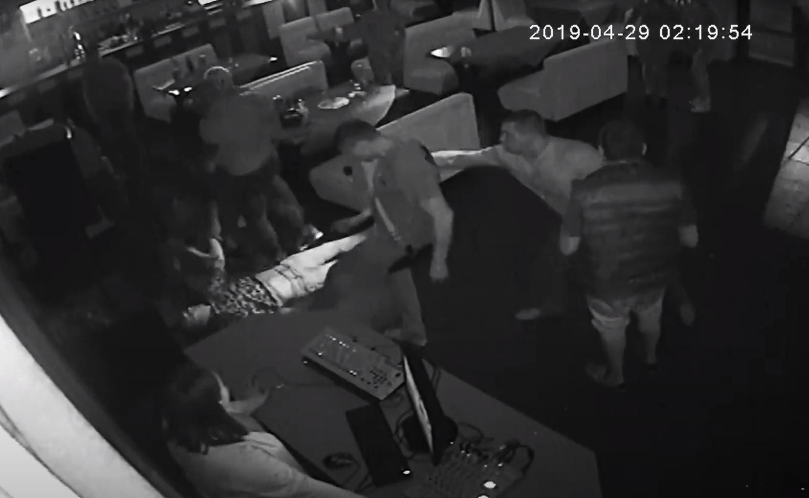 Массовое избиение посетителей в баре Корабельного района: полицию вызывали 6 раз