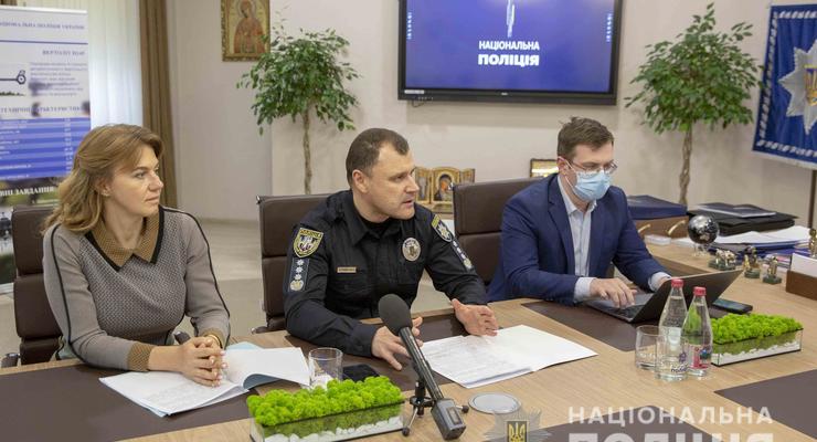 Полиция проверит Сovid-сертификаты украинцев