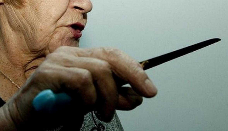 На Херсонщине судили пенсионерку, которая зарезала гостя, пытавшегося ее изнасиловать