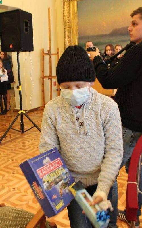 Подари жизнь онкобольному ребенку: в Николаеве провели благотворительный аукцион