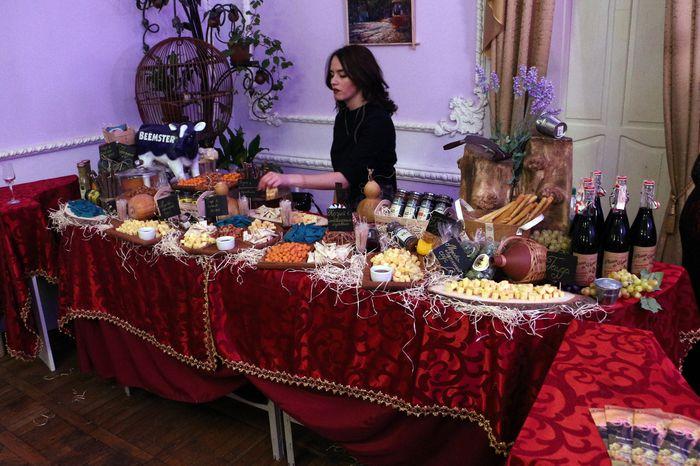 Вечер дегустации «Божоле» состоялся в Русском театре
