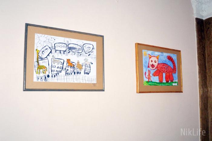 Маленькие художники «разрисовали» стены Николаевского горсовета