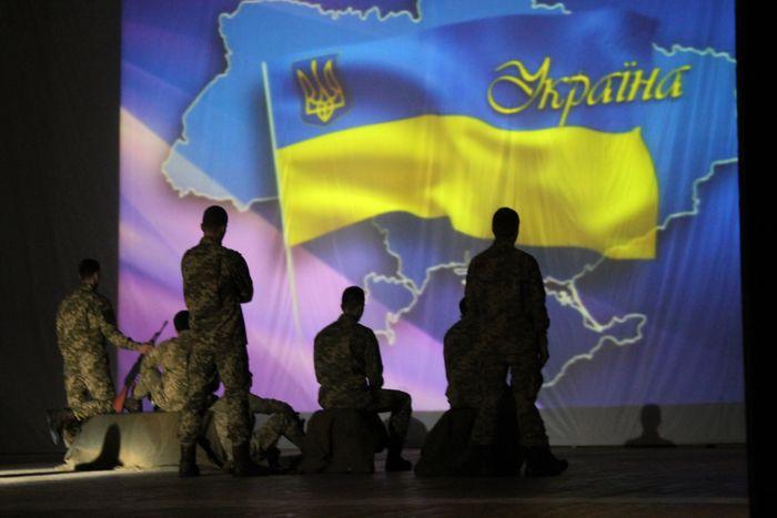 «Война без срока» - в Николаеве прошел спектакль в память погибших бойцов СБУ