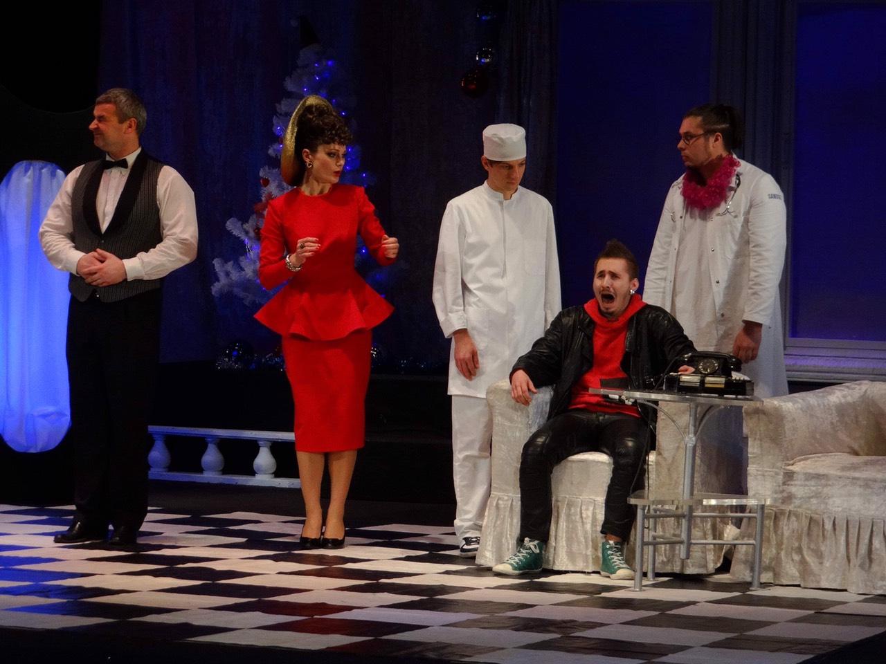 Новогодняя премьера для взрослых в русском театре