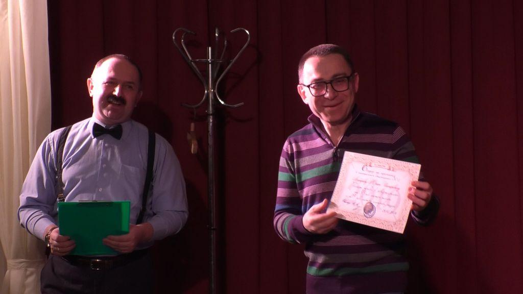 Стёб как жанр демонстрировал Юрий Любаров  на «театральном квартирнике»