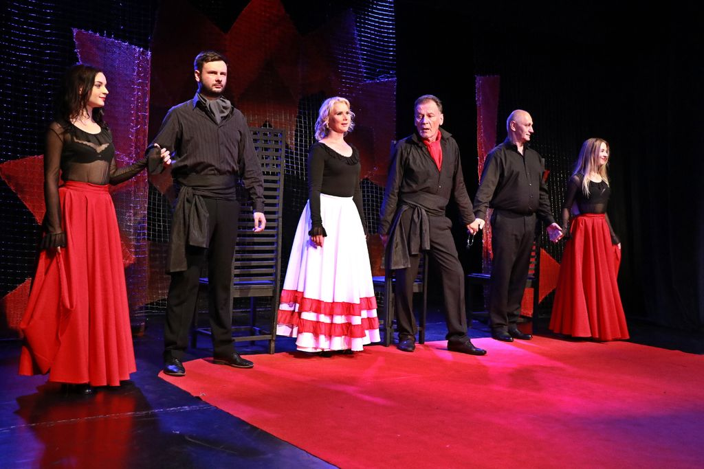 Любовь и страсть на малой сцене театра на Адмиральской: живо, жизненно, жестоко!