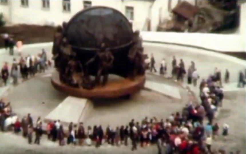 С флагами и песнями: опубликовано архивное видео празднования 200-летия Николаева