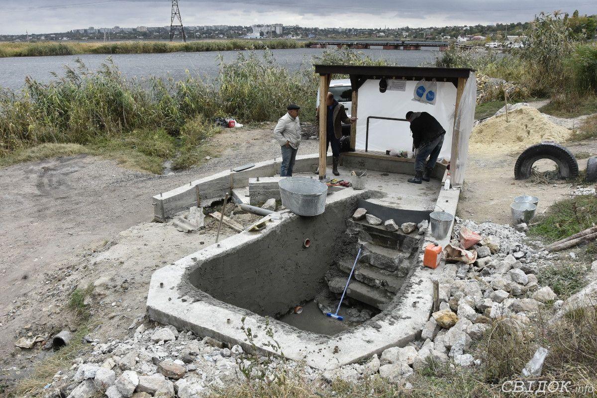 В Николаеве продолжается благоустройство родника на берегу Ингула