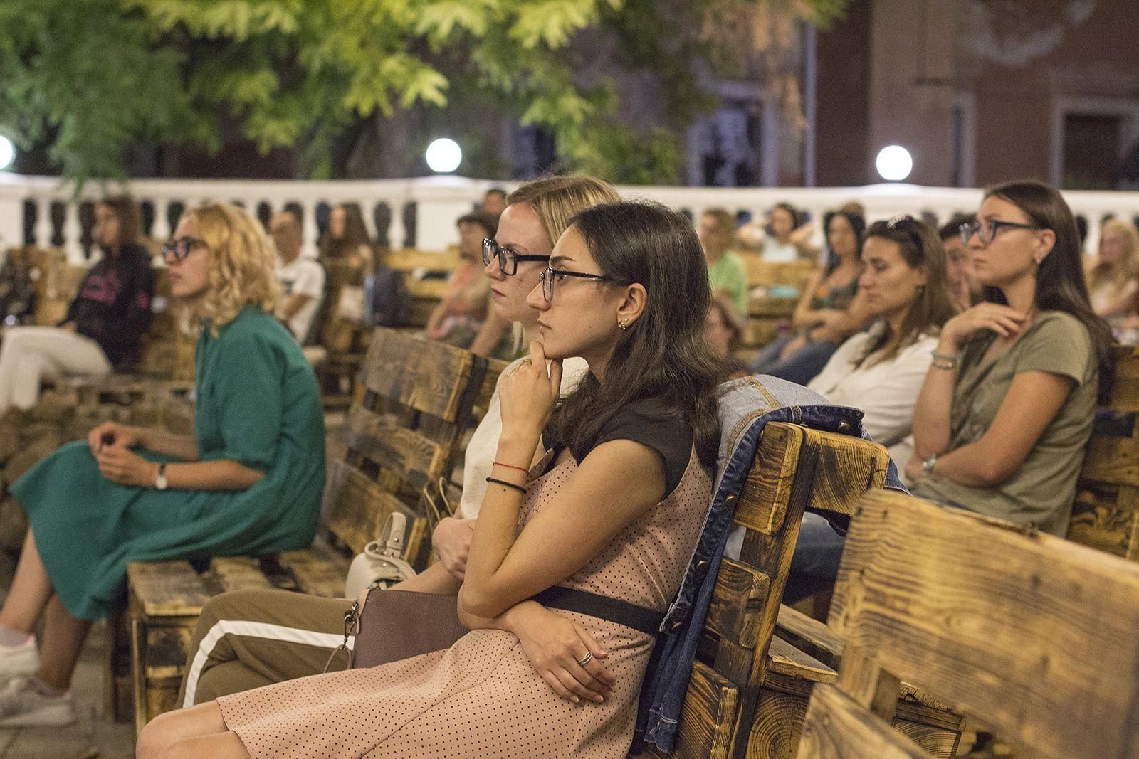 35 авторов, 3500 зрителей и 1500 кв.м. арт-пространства