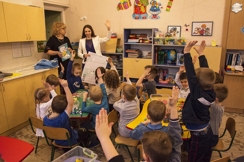 Николаевские дети получили книжки-раскраски для развития своих эко-привычек