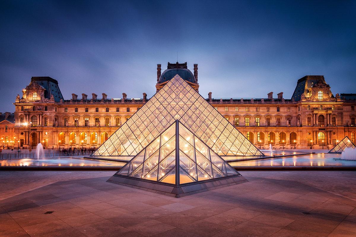 Парижский Лувр стал самым посещаемым музеем мира