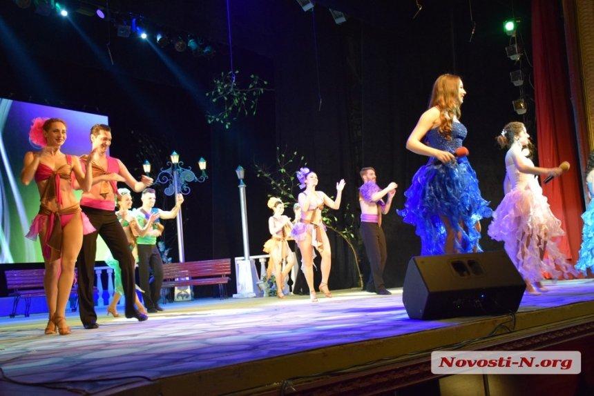 В Николаеве торжественно поздравили работников коммунальных служб
