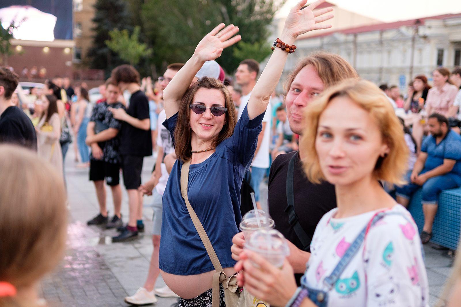 Три недели насыщенной программы: мобильный павильон House of Europe закрылся в Николаеве концертом LATEXFAUNA