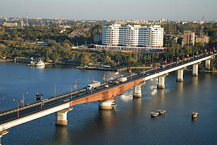 Варваровский мост закроют для большегрузного транспорта (ДОКУМЕНТ)