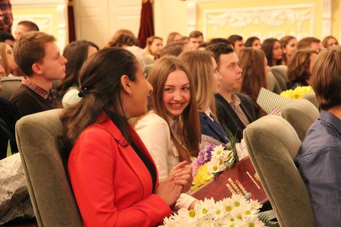 70 лучших Николаевских студентов получили стипендии мэра и горсовета