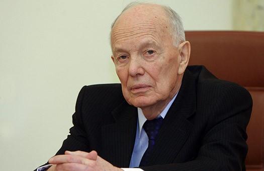 Сьогодні своє 99-річчя відзначає видатний український вчений Борис Патон