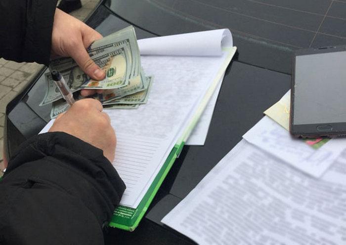 На Львовщине задержан мэр-коррупционер, расхищавший бюджетные средства, и предложивший взятку полиции