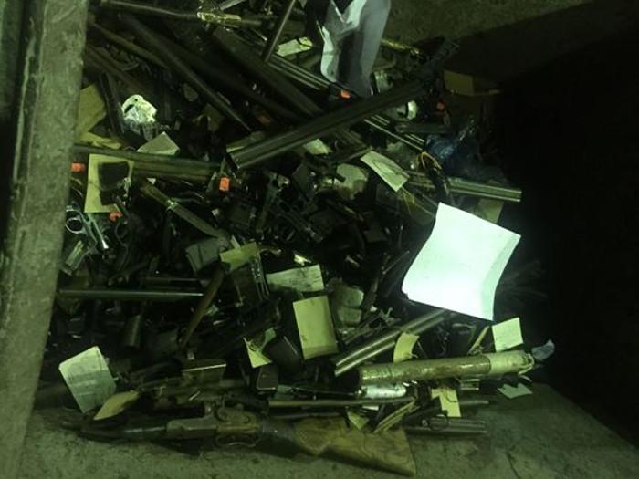 Николаевские правоохранители уничтожили 240 кг изъятого оружия