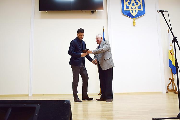 Руководителя «Ника-Теры» наградили за постоянную поддержку спортсменов Николаевщины