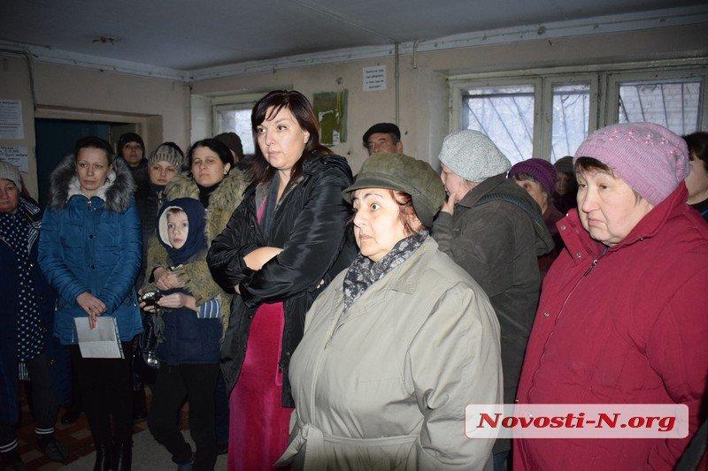 В Николаеве жители общежития готовы выходить на акции протеста, несмотря на военное положение (ВИДЕО)