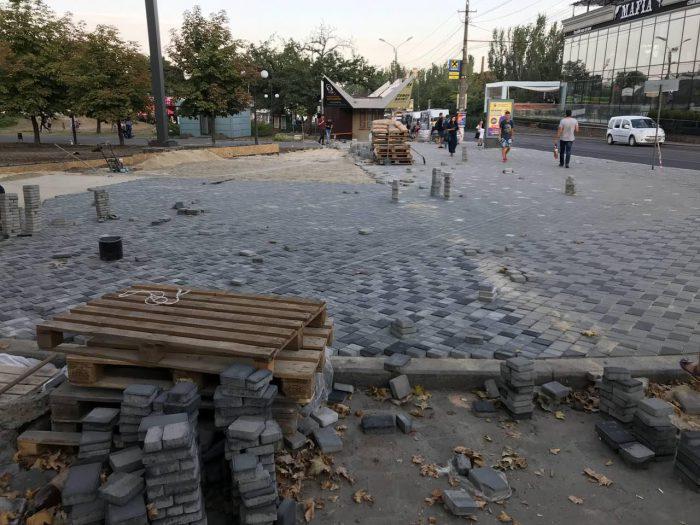 Бухай-гуляй, — мэр Сенкевич раскритиковал «уродские» МАФы на Соборной (ВИДЕО)