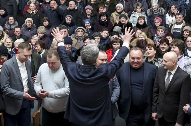 Президенту не доверяют 70% украинцев
