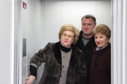 В Николаеве уже два года не могут запустить лифт для детей с инвалидностью