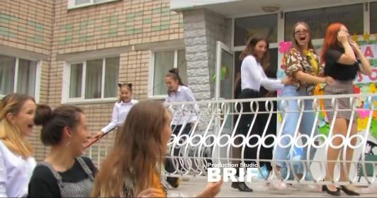 Как гимназисты в Корабельном районе праздновали День Учителя