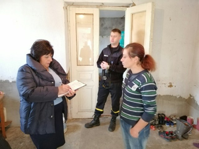 Мешканцям приватних будинків Корабельного району нагадали правила користування пічним опаленням